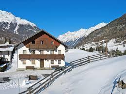 vacation home haus gstrein 250w sölden austria booking com