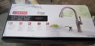 Delta Vessona Kitchen Faucet by I4m Delta Valdosta 19957 Spsd Dst Spot Shield Pulldown Kitchen