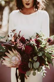 Fall Flowers For Weddings In Season - everything you need to know about fall weddings tips for