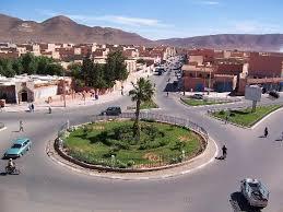 http:  t0 gstatic com images q tbn:ANd9GcSPsEzJnL7 hbSI5cLTQTtfzt wbBuPKtYE3F1J Acx FikcWV1 Guelmim et ses environs au Maroc