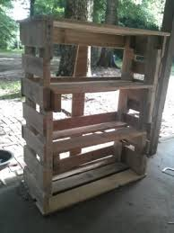 build a reclaimed wood pallet bookshelf the homestead survival