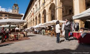 best antique fairs and flea markets in tuscany