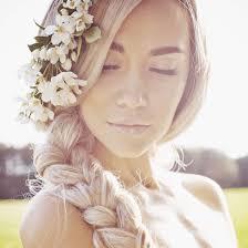 8 beach wedding hairstyles you u0027ll want to wear all summer round