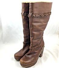 ugg womens boots size 8 ugg savanna womens brown distressed leather platform boots