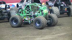 grave digger 30th anniversary monster truck monster jam 2012 carrier dome gravedigger freestyle youtube