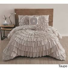 Romantic Comforters Best 25 Ruffled Comforter Ideas On Pinterest Shabby Chic