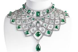 emerald gemstone necklace images Emerald 25 facts and reasons why you 39 ll love this green gemstone jpg