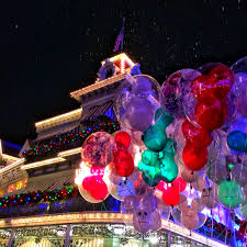 8 photos that will make you want to attend mickey u0027s very merry