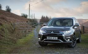 comparison mitsubishi outlander gt 2017 vs toyota harrier