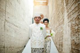wedding dress indo sub top 10 wedding photographers in indonesia the wedding vow
