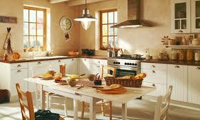 cuisine lambris d une cuisine blanche
