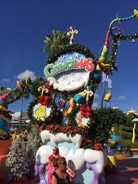 orlando thanksgiving parade universal orlando holidays grinchmas macy u0027s holiday parade