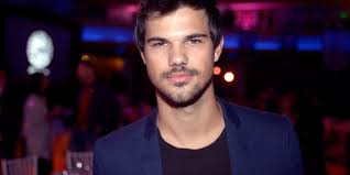 film review tracers taylor lautner gets the runs huffpost