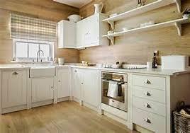 retaper armoire de cuisine renover meuble bois r nover un meuble en bois comment restaurer