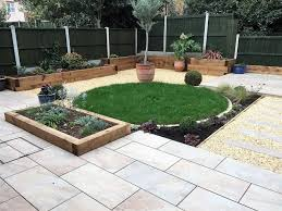 small contemporary garden the constant gardener based in chelmsford