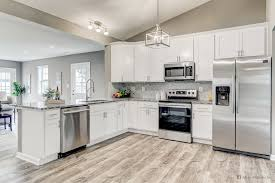 frosted white shaker kitchen cabinets discovery discoveryfrost fabuwood white kitchen