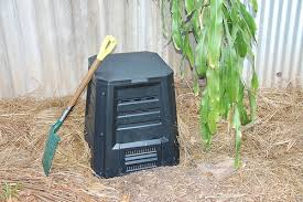 How To Make A Compost Pile In Your Backyard by In A Hurry Here U0027s The Ultimate One Page Guide To Composting
