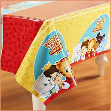 Party Table Covers 1021 Best Birthday Plates Kids Party Table Plates Tablecovers