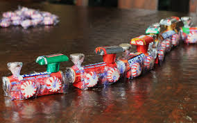 5 days of frugal christmas ideas how to make a candy train if you