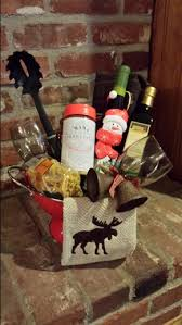wine themed gifts italian pasta sauce seasonings bread sticks wine and wine