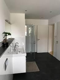 edle badezimmer edle badezimmer schmales badezimmer design dusche badewanne edle