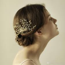 wedding hair combs a stunning modern wedding hair combs crystals in clear