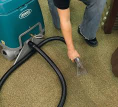 E5 Compact Low Profile Carpet Extractor
