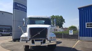 2018 volvo vhd84b200 995736 wheeling truck center wheeling