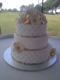 wedding cakes with bling 1000 ideas about bling simple wedding cakes with bling wedding