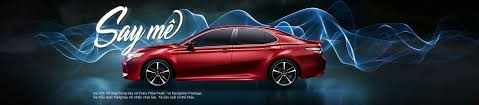 2018 toyota camry mid size car demands respect at every corner