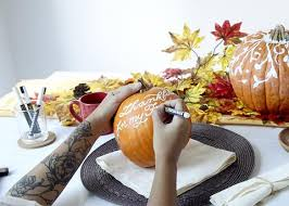 how to make a diy pumpkin centerpiece for your thanksgiving dinner