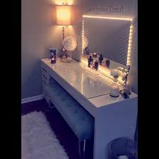 lit up vanity mirror and table everything included was bought at