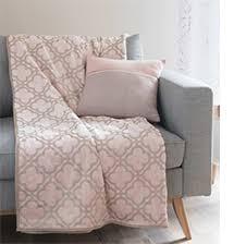 plaid sur canapé quel plaid pour mon canapé la maison du convertible