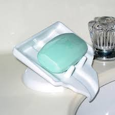 Kitchen Soap Dish Sponge Holder by This Soap Holder Drains Water Homes And Hues