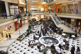 black friday still a brick and mortar experience for some