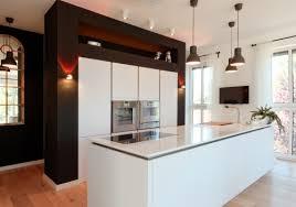 moderne küche mit kleiner insel gebäude on modern auf grifflose - Inselküche Abverkauf