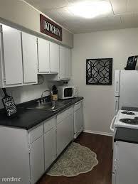2 Bedroom Apartments Ann Arbor Greenbrier Apartments 3615 Green Brier Blvd Ann Arbor Mi