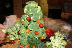 christmas tree veggie appetizer with lemony white bean hummus