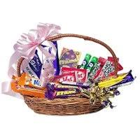 chocolate baskets chocolate delivery in india gifts to india send chocolate