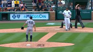 Red Sox Yankees Benches Clear Benches Clear In Yankees Tigers Finale Mlb Com