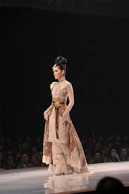 wedding dress kebaya the 25 best kebaya wedding ideas on cape dress angel