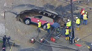 New York Sinkhole Map by Monster Sinkhole Swallows Suv In Hoboken After Water Main Break