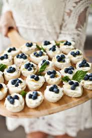berry canapes 11 oscar appetizers so they should be nominated for an award