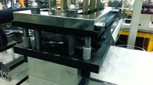 three station thermoforming machine for pet food container