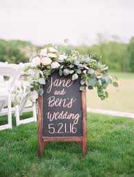 diy wedding signs 5 diy wedding projects you can t miss
