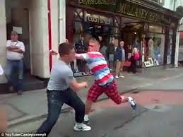 Youtube Backyard Fights 2 Irish Men In Bare Knuckle Street Fight In Shocking Video Daily
