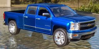 matchbox chevy silverado ss two lane desktop jada toys 1 24 2014 chevy silverado 1500 ltz