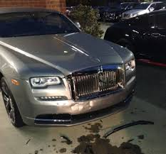 bentley wraith 2017 man hits bentley rolls royce in the most privileged of rampages