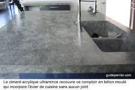 comptoir ciment cuisine une maison neuve contemporaine avec finition de béton décoratif