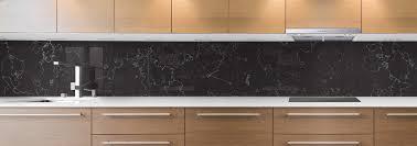 cuisine marbre noir crédence de cuisine sur mesure crédence marbre noir traits blancs